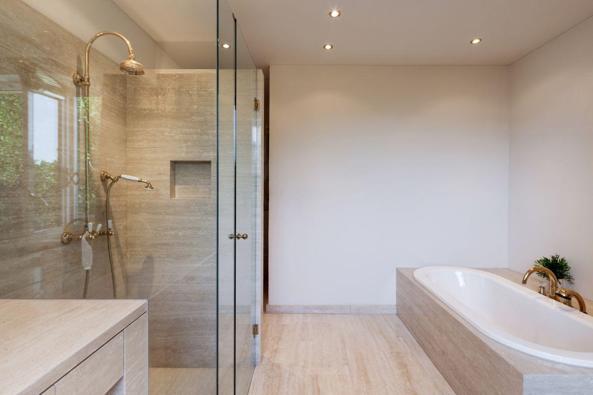 Heimwerkertipps badewanne einbauen harbecke webseite - Dichtanstrich badezimmer ...